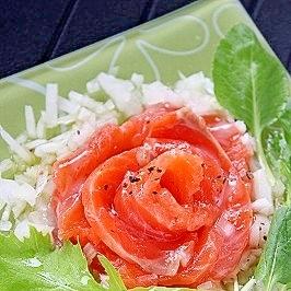 塩麹サーモン☆バラみたいなカルパッチョ