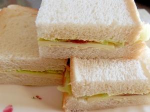 爽やか!梅干しサンドイッチ