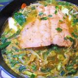 今が旬です!鮭の味噌キムチ鍋
