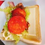 ヘビーハムとチーズのサンドイッチ