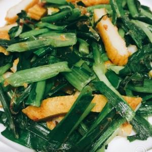 平天と小松菜とニラの炒め物