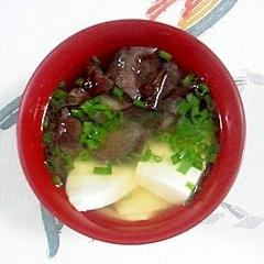 絹ごし豆腐と生きくらげのお味噌汁