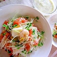 新玉ねぎのシーフードサラダ