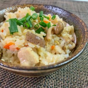 和食の定番!鶏もも肉の炊き込みごはん♫
