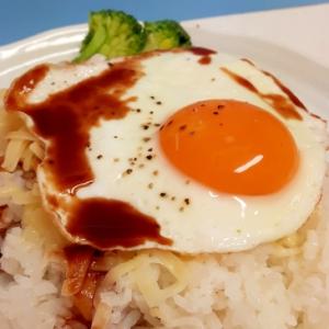 子供が喜ぶハンバーグなしの(^^;)ロコモコ風丼♪