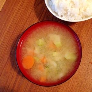 ブロッコリーの味噌汁