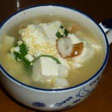 豆腐と竹輪の中華スープ
