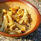 大豆と沢庵の小鉢