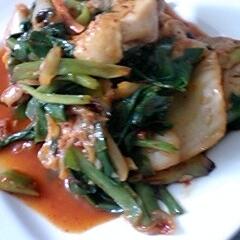 ニラと鶏のキムチ炒め