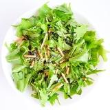お茶漬けの素と塩昆布で 水菜サラダ