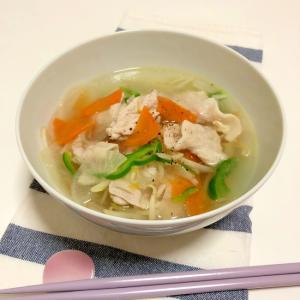 豚肉と野菜の大盛りスープ ♪
