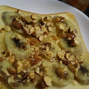 メープルとアーモンドのバナナトースト(^^)