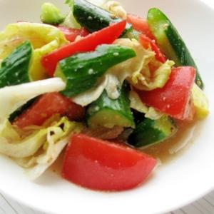 白だし&胡麻でトマトときゅうりのサッパリ旨サラダ