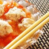 マグロ団子の、アジア風トマト涼麺