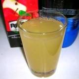 さわやかな味!りんごジュースの炭酸水割り