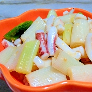 簡単節約料理『イカと長ネギの酢味噌和え』