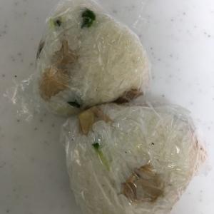 とりのカレー粉と貝割れ大根(*^^*)おにぎり☆
