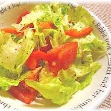 ♪♪簡単!バジルドレッシングのシンプルサラダ♪♪