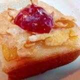 マーマレードとコーンフレークと苺ジャムのトースト