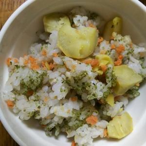 赤(鮭)黄(栗)緑(青のり)の混ぜご飯
