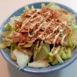レタスと胡瓜と玄米フレークの和風サラダ