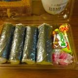 子供が喜ぶ♪食べる時に海苔を巻ける手巻き寿司♪