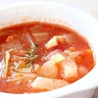 鶏皮入りトマトスープ