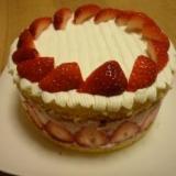 いちごのババロアケーキ