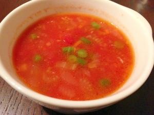 たっぷり野菜とハーブのトマトスープ