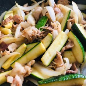 ズッキーニと豚肉の酢醤油炒め