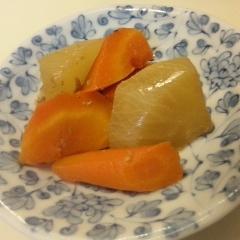 めんつゆで簡単☆大根とにんじんの煮物