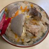 サバ缶を使って大きな里芋入り鯖御飯
