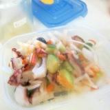蛸と胡瓜と大根人参オリーブサラダ