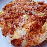 刺身のツマと白菜とチーズのお好み焼き