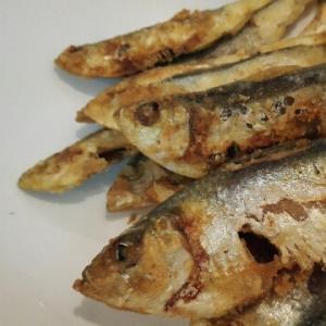 釣った小魚で作る、小魚のカレー唐揚げ