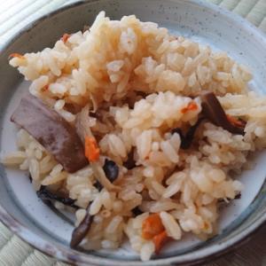舞茸とにんじんの炊き込みご飯
