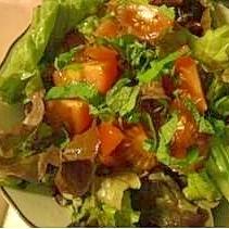 トマトと紫蘇のシンプルサラダ