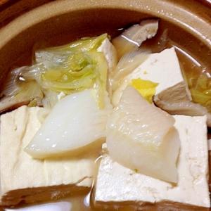 お腹にやさしく温まろ◎白身魚の豆腐鍋