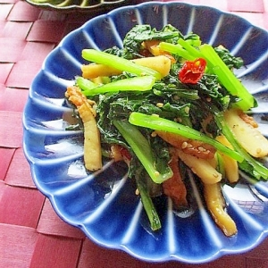 簡単常備菜!かぶの葉とちくわのピリ辛炒め煮