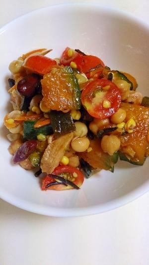 南瓜とひじき・ミックス豆の満足サラダ