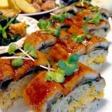 うなぎ飯のにぎり風です☆鰻の美味しさ摘んでパクリ♪