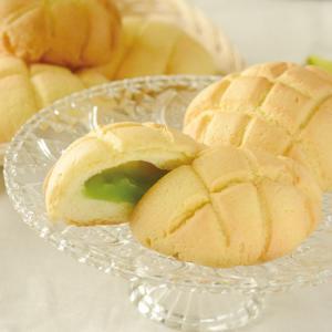 涼しさ感じる、メロンソーダのメロンパン