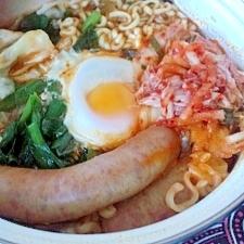 韓国屋台料理ブデチゲ風鍋ラーメン