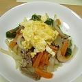 炒り卵のせ野菜炒め