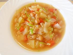 ★根菜とひよこ豆・ベーコンのコンソメスープ★