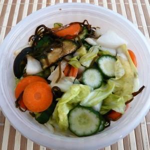 野菜たっぷり塩昆布の漬物