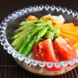 夏のビタミンチャージ、野菜づくしの冷麺