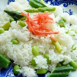 冷やご飯で❤夏野菜のチャーハン♪(レモン汁、枝豆)