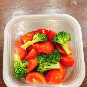 トマトとブロッコリーのサラダ