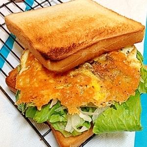 かりかりチーズエッグのがりがりトーストサンド